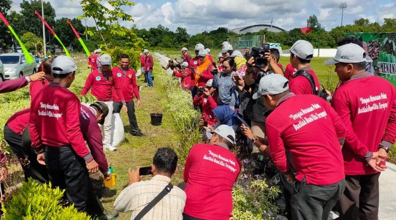 Jurusan Tarbiyah Turut Menanam Pohon Bersama Dinas Kehutanan Kalteng